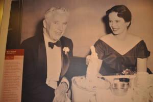 Чарлі Чаплін - ще один з багатьох з зіркових гостей нна кораблях Кьюнард.